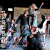 Übergewicht, unwichtig: Unform - Theater Dortmund