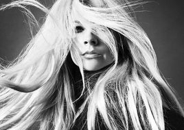 "Neue Single, neues Video: AVRIL LAVIGNE veröffentlicht ""Tell Me It's Over"""