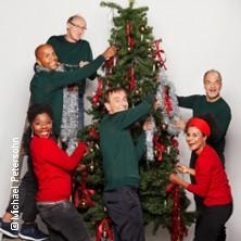 Karten für Weihnachten auf dem Balkon - mit Marek Erhardt, Adisat Semenitsch, Dela Dabulamanzi u.a. in Norderstedt