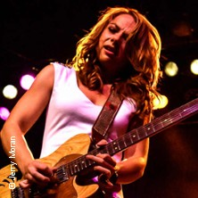 Samantha fish chills fever musiktheater for Samantha fish chills and fever