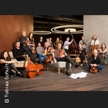 Vivaldi Loops in Light