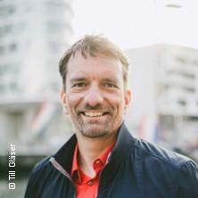 Bastian Sick: Schlagen Sie dem Teufel ein Schnäppchen in SYLT * Meerkabarett Sylt GmbH & Co.KG,