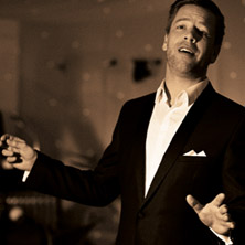 Tom Gaebel & his Orchestra: A Swinging Christmas