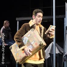 Der Junge mit dem Koffer