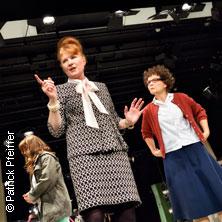 Wir Mädel singen - Eine deutsche Angelegenheit - Württembergische Landesbühne Esslingen in ESSLINGEN * Schauspielhaus,