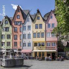 Dom und Altstadt Tour mit Kölsch in KÖLN * Dom Haupteingang (bei den Fahnenmasten),