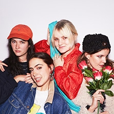 Hinds in BERLIN * BI NUU,