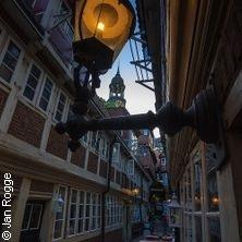 Historische Altstadt Tour mit Charme | Führungen Hamburg in HAMBURG * Haupteingang Rathaus,