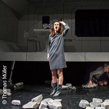 Schatten eines Jungen - Deutsches Theater Göttingen in GÖTTINGEN * Deutsches Theater Göttingen,