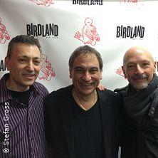 Steve Smith & Groove Blue Organ Trio