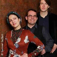 Stadt- und Dorfkirchenmusiken - Trio Rozhinkes - Mazl, Glik un Khaloymes